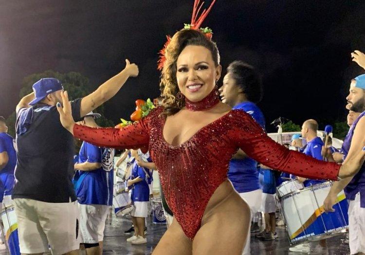 Rainha de Bateria Andréa Capitulino 09A - Rainha de Bateria Andréa Capitulino adere a utilização do hormônio HCG para arrasar no Carnaval